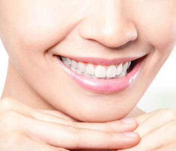 smile transformation with quality dental crowns in Farmington Hills